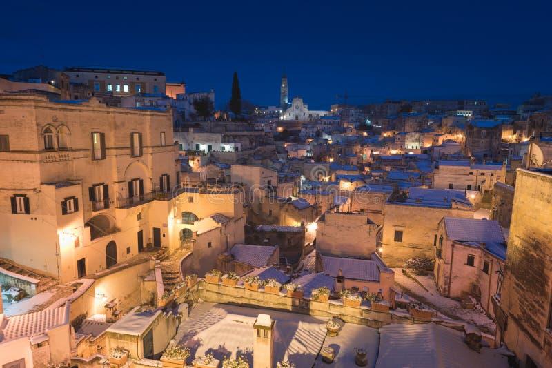Forntida stad av Matera Sassi di Matera på vintertid arkivfoto