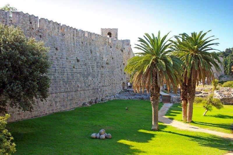 forntida stadsgreece rhodes vägg arkivbilder