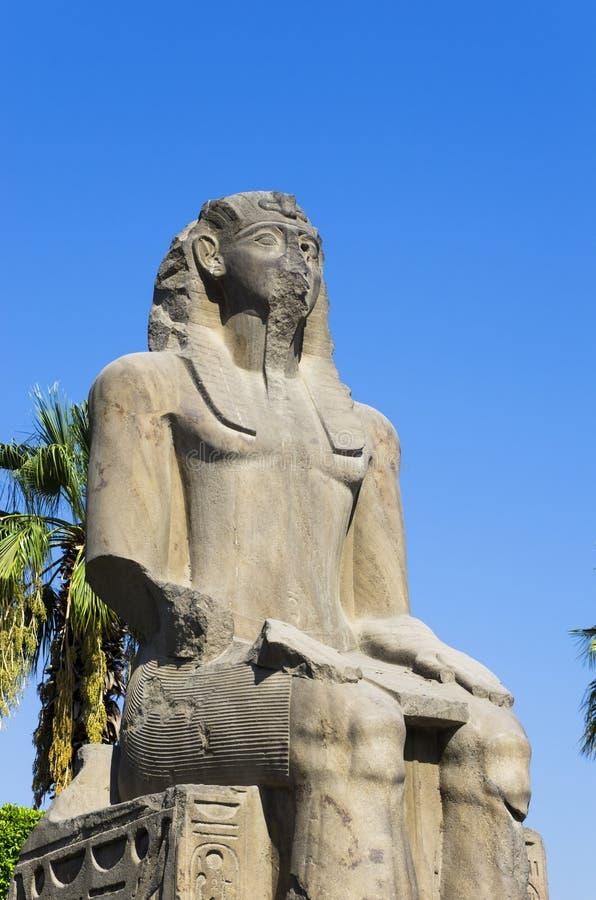 forntida staty Kairomuseum av Egyptology och forntider arkivbild