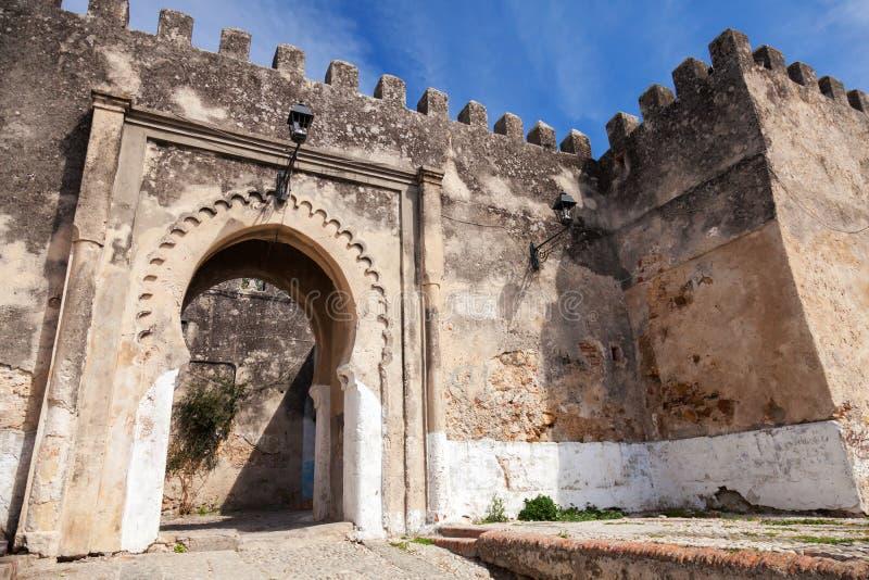 Forntida stenfästning i Madina. Tangier Marocko royaltyfri bild