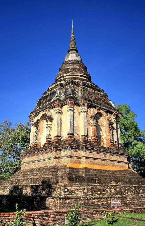 Forntida stupa arkivfoto