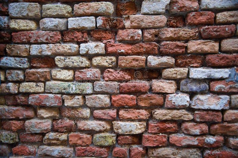 forntida tegelstenvägg Murverket av tegelstencloseupen fotografering för bildbyråer