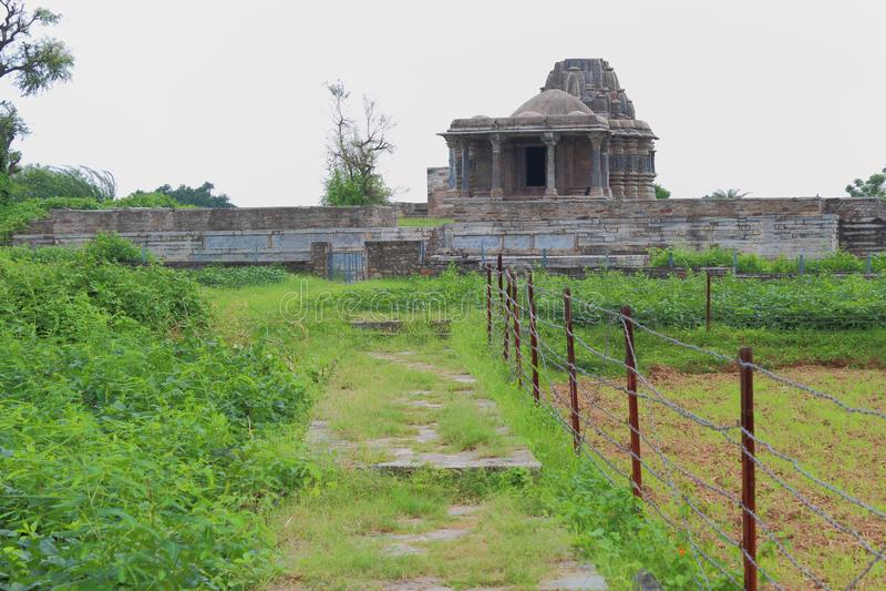 Forntida tempel för elfte och tolfte århundrade royaltyfri bild