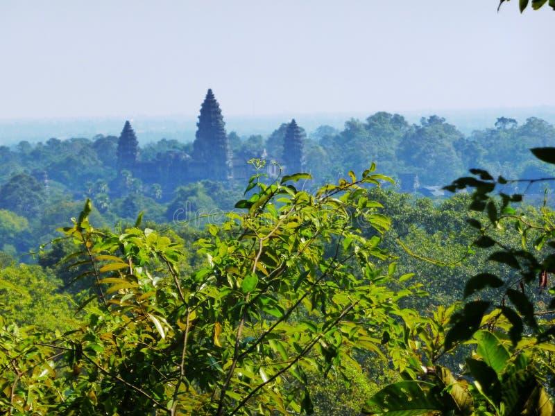 Forntida tempel i Angkor Wat/Cambodja royaltyfria foton