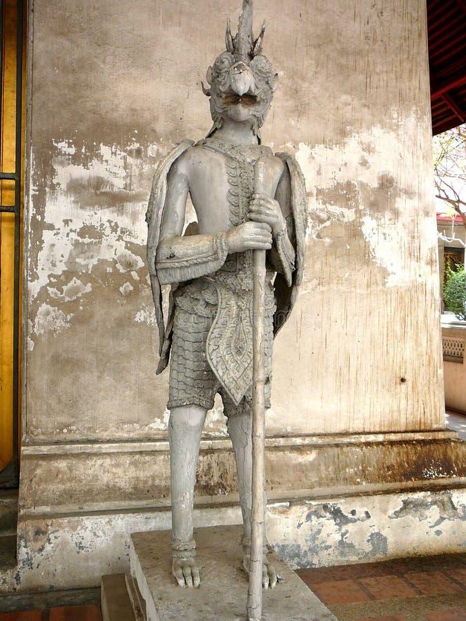 Forntida thailändsk staty på ett museum royaltyfria foton