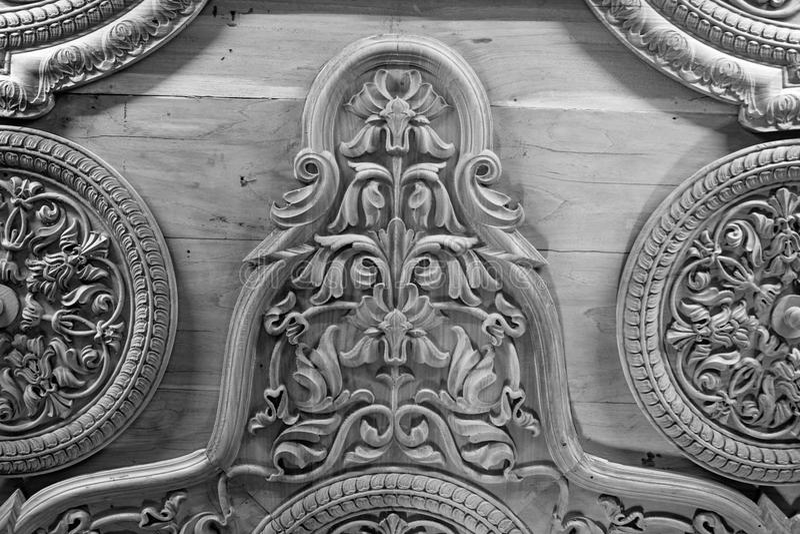 Forntida trä sned taket i ett fort av Indien royaltyfri bild