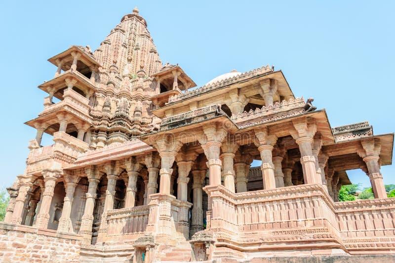Forntida vagga krökta tempel av hinduiska gudar och gudinnan arkivfoton