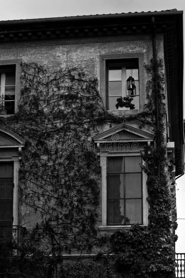 Forntida villa i Bassano del Grappa royaltyfri bild