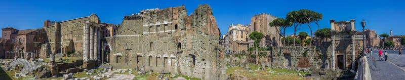 Foro de Trajan en Roma imagen de archivo libre de regalías
