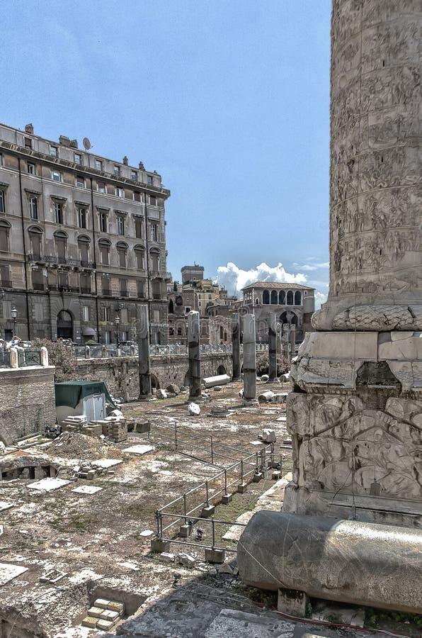 Foro de Trajan, en Roma Italia imagenes de archivo