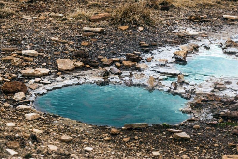 Foro di acqua geotermico in Islanda fotografia stock