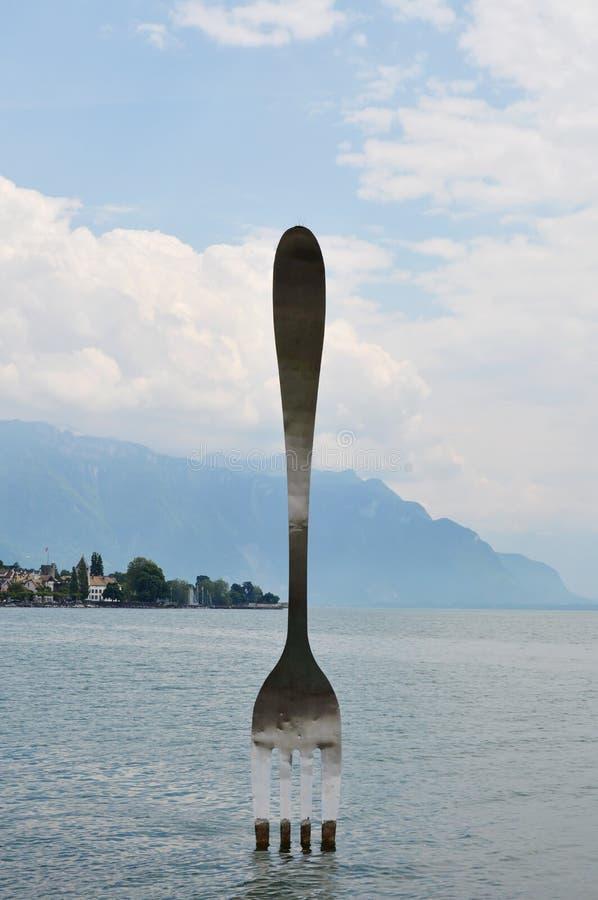 A forquilha de prata para comemora o décimo aniversário do museu de Alimentarium em Suíça de Vevey imagens de stock royalty free