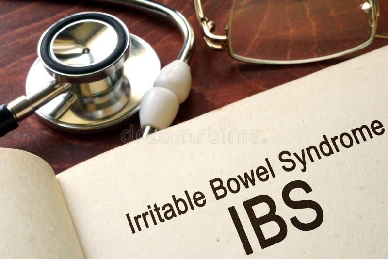 Forre com síndrome do intestino irritável das palavras & x28; IBS& x29; fotos de stock royalty free