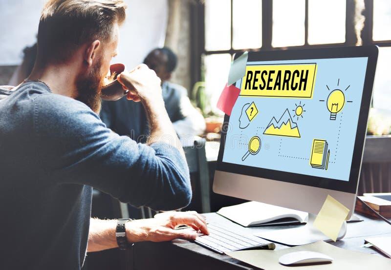 Forschung, die Suchstudien-Forscher Concept sucht stockfotos