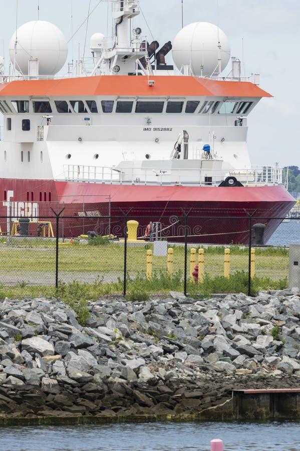 Forschungsschiff Fugro-Entdeckung machte bei Marine Commerce Terminal in New-Bedford fest stockfoto
