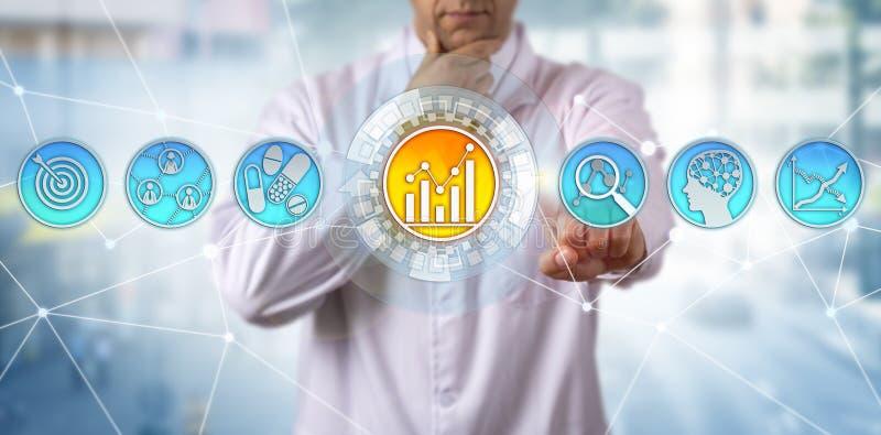 Forskare Initiating Predictive Analytics App royaltyfri bild