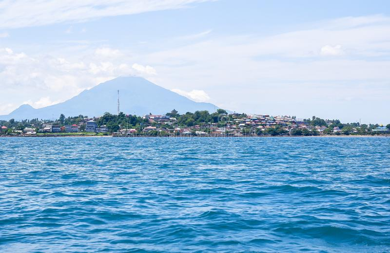 Fort av Manado från havet, norr Sulawesi royaltyfria foton