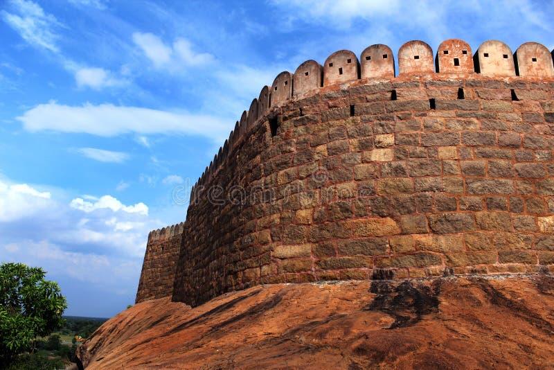 The fort battlement with sky. Fort Tirumayam, tamilnadu, india - Sethupathi Vijaya Raghunatha Tevan [1673-1708] of Ramanathapuram, popularly known as Kilavan royalty free stock photos