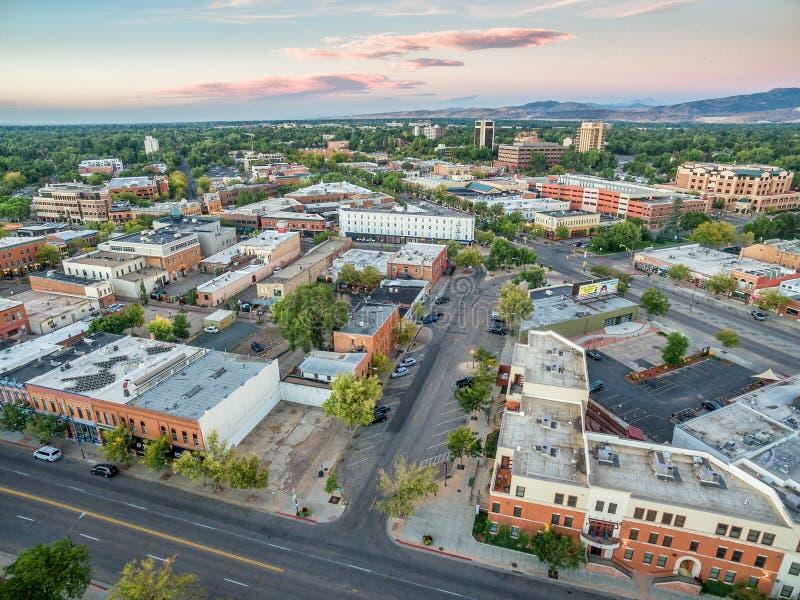 Fort Collins i stadens centrum flyg- sikt fotografering för bildbyråer