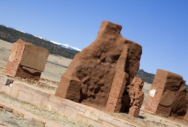 Fort dans les ruines image stock