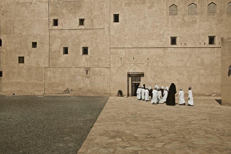 Fort de Jabrin dans l'annonce Dakhiliyah, Oman On le connaît comme fort de Jabreen photographie stock