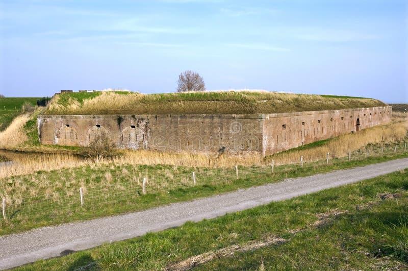 Fort Ellewoutsdijk en zeedijk in Ellewoutsdijk stock foto's