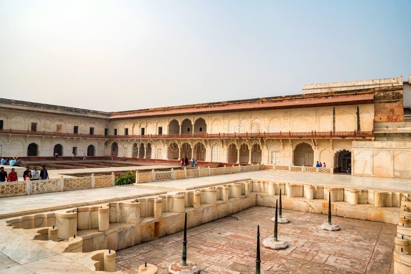FORT, ÂGRÂ, INDE - NOVEMBRE 2017 : Pavillon d'or dans le fort d'Âgrâ images libres de droits