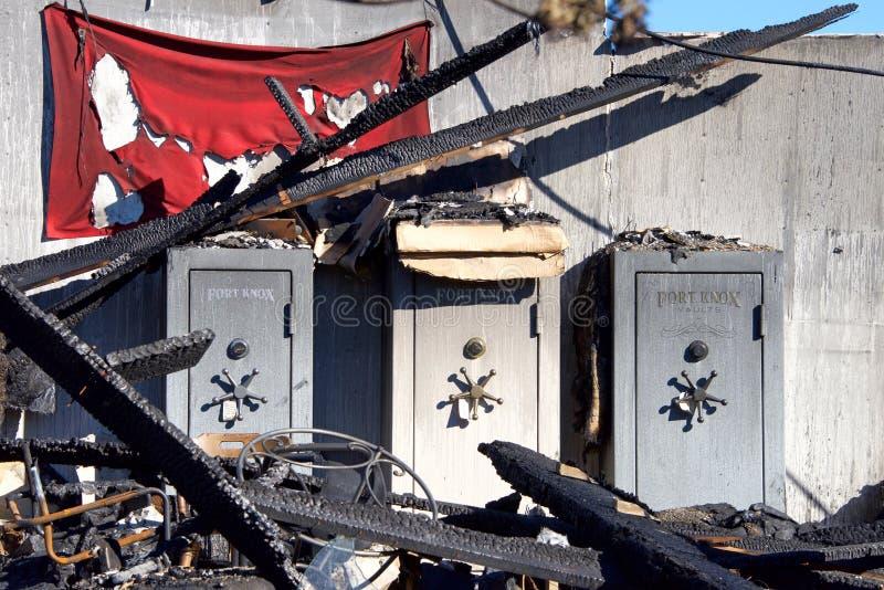 Fort Knox-Safes brennen herein Gebäude aus lizenzfreie stockfotos