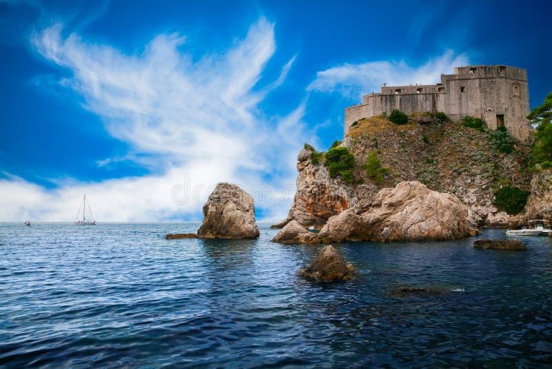 Fort Lovrijenac in Dubrovnik-Westhafen lizenzfreie stockbilder