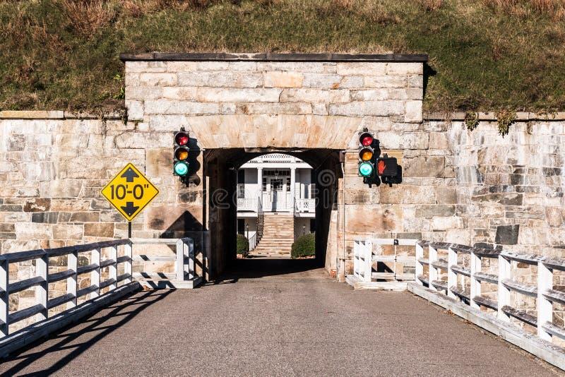 Fort Monroe в Hampton, мосте Вирджинии и тоннеле стоковая фотография rf
