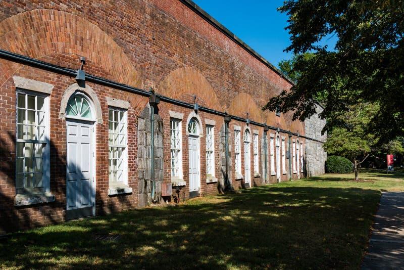Fort Monroe ` s Casemate-Museum in Hampton, Virginia stockfotos