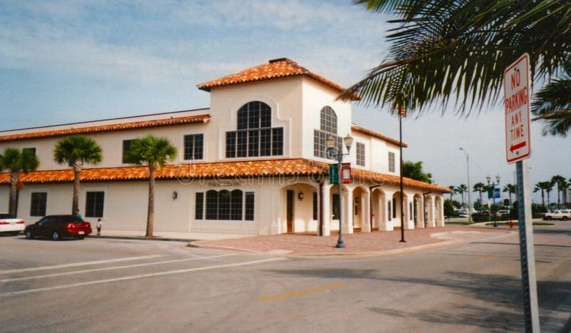 Fort Pierce Public Library - par la mer photographie stock
