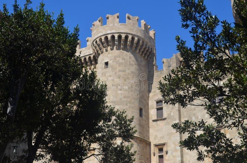 Fort in Rhodes Greece met Bomen in Voorgrond royalty-vrije stock foto
