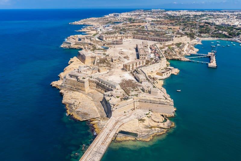 Fort Ricasoli-Vogelperspektive Insel von Malta von oben Bastioned Fort errichtet durch den Auftrag von Saint John in Kalkara, Mal lizenzfreie stockfotos