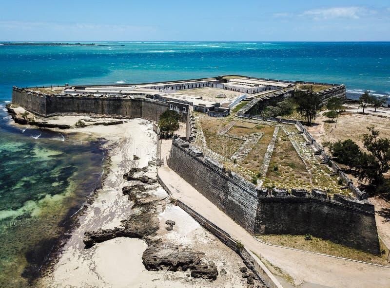 Fort San Sebastian Sao Sebastiao, het eiland Ilha DE Mocambique, de Baai van de kustmossuril van Indische Oceaan, Nampula-Provinc royalty-vrije stock afbeelding
