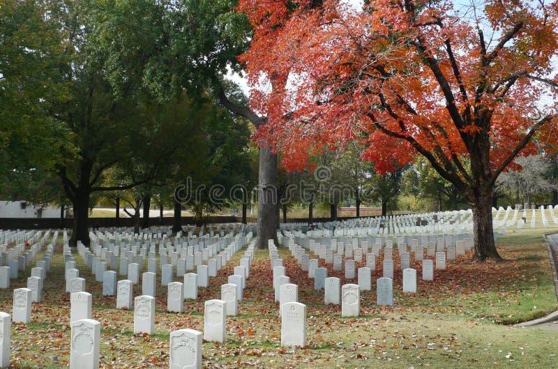 Fort Smith National Cemetery, November 2016 royaltyfri bild