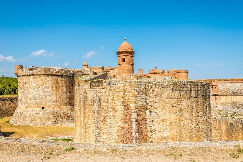 Fort von Salses le Chateau im Süden von Frankreich lizenzfreie stockbilder