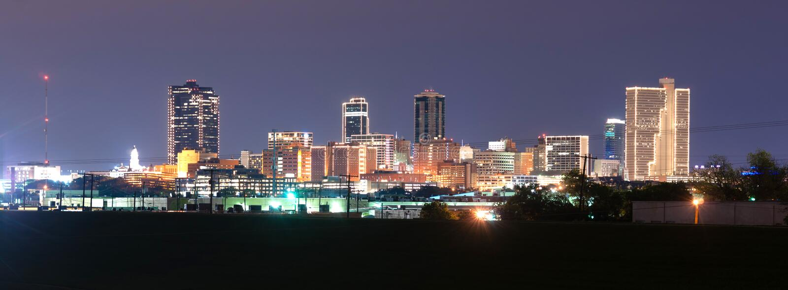 Fort Worth Texas Downtown Skyline Trinity River a tarda notte immagini stock