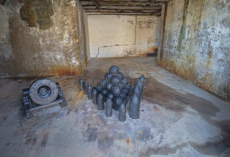 Fort Zachary Taylor Old Cannonballs, Munitie royalty-vrije stock afbeelding