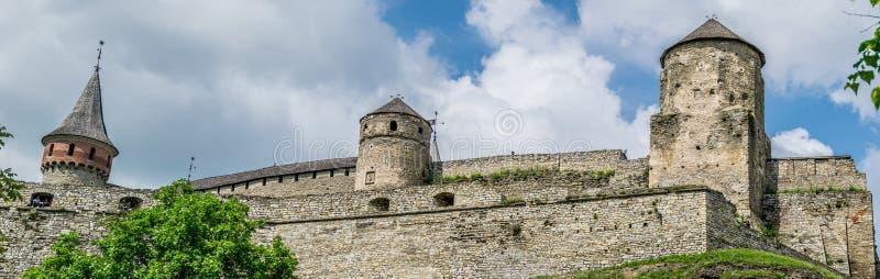 Fortalecimientos en una colina, panorama foto de archivo