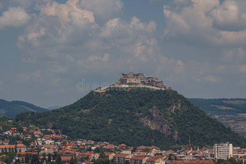Fortaleza arruinada de la ciudad de Deva imágenes de archivo libres de regalías