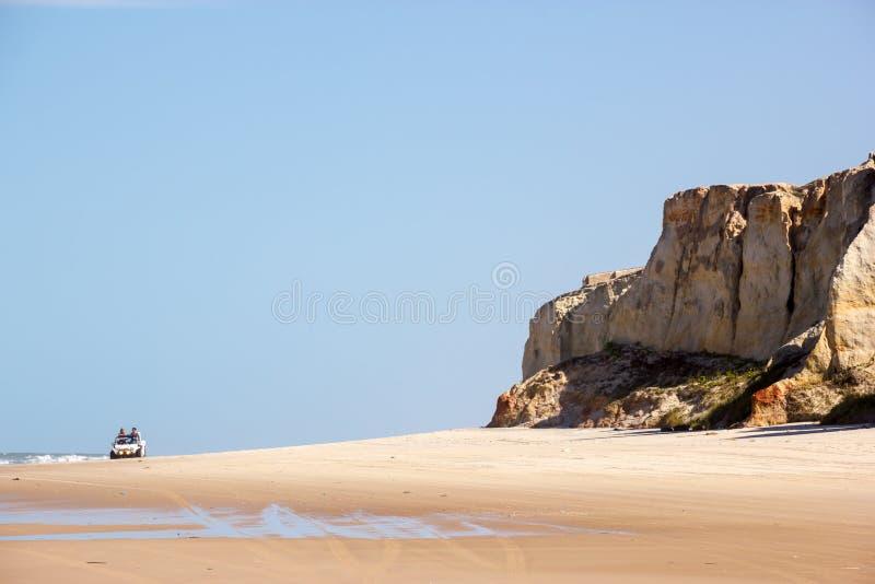 FORTALEZA, BRASILIEN - JANUAR 2014: Touristisches Autoreiten am Sein lizenzfreies stockfoto
