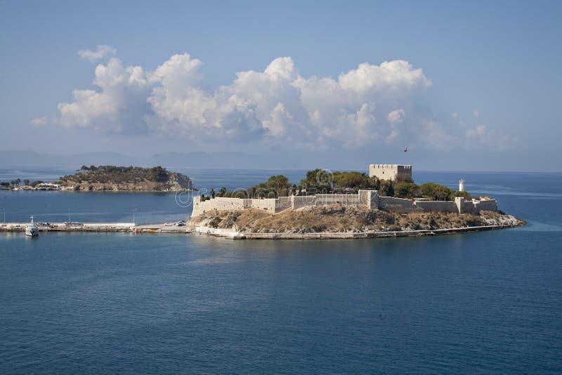 Fortaleza da ilha em Kusadasi fotos de stock royalty free