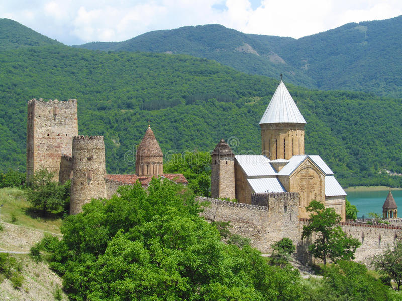 Fortaleza de Ananuri en Georgia fotografía de archivo