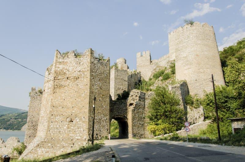 Fortaleza de Golubac en Serbia foto de archivo libre de regalías
