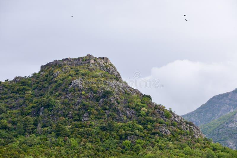 Fortaleza de Haj-Nehaj acima de Sutomore, Montenegro imagem de stock