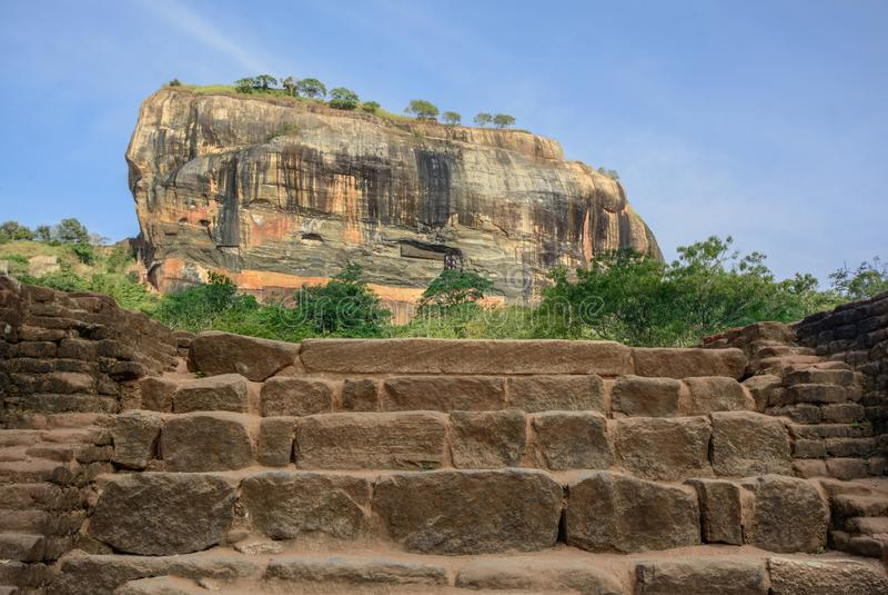 Fortaleza de la roca de Sigiriya castillo arruinado 5 siglos en Sri Lanka imágenes de archivo libres de regalías