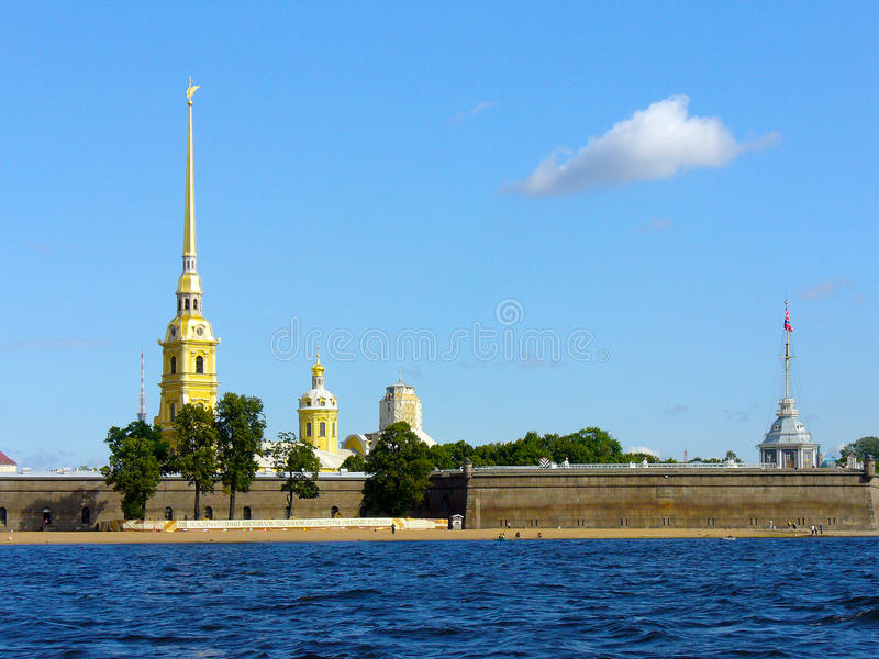 A fortaleza de Peter e de Paul em St Petersburg foto de stock