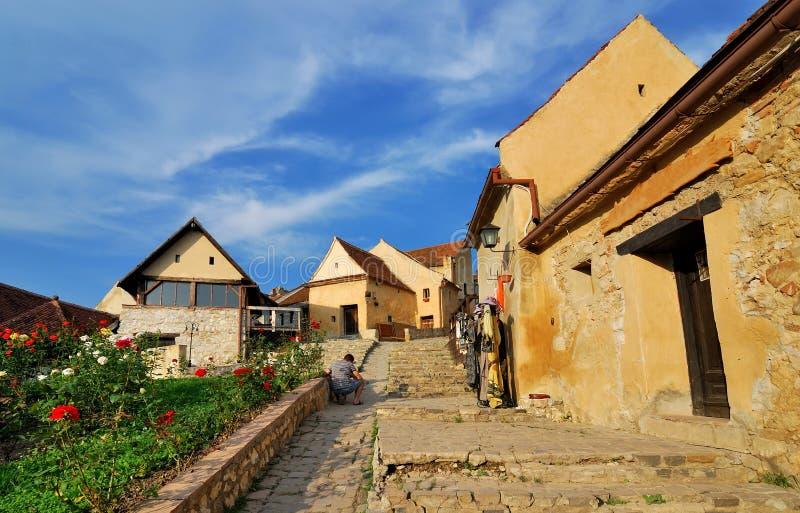 Fortaleza de Rasnov, rua estreita, a Transilvânia imagem de stock royalty free