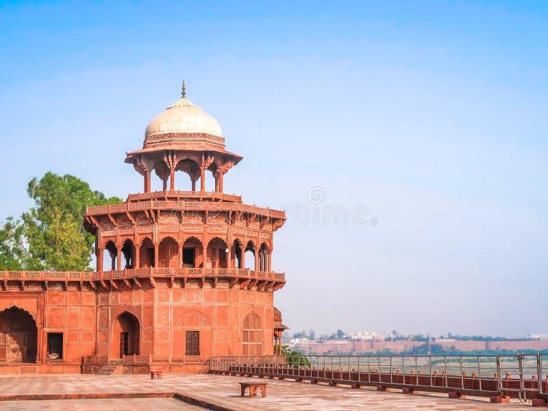 A fortaleza em Taj Mahal Beira-rio de Yamuna, local do patrimônio mundial do UNESCO, Agra, Uttar Pradesh, Índia, foto de stock royalty free